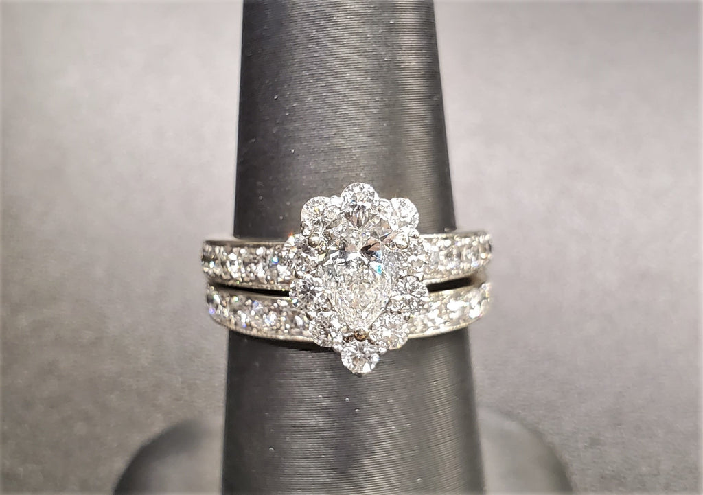 14K White Gold Halo Wedding Set