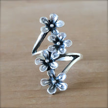 Daisy Trail Ring