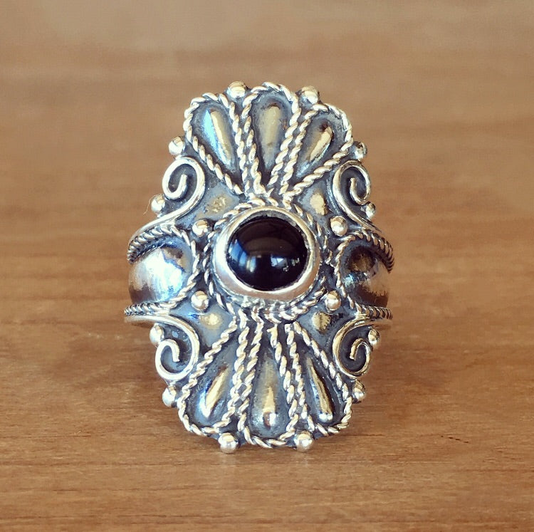 Wild Flower Onyx Ring - size 7.25