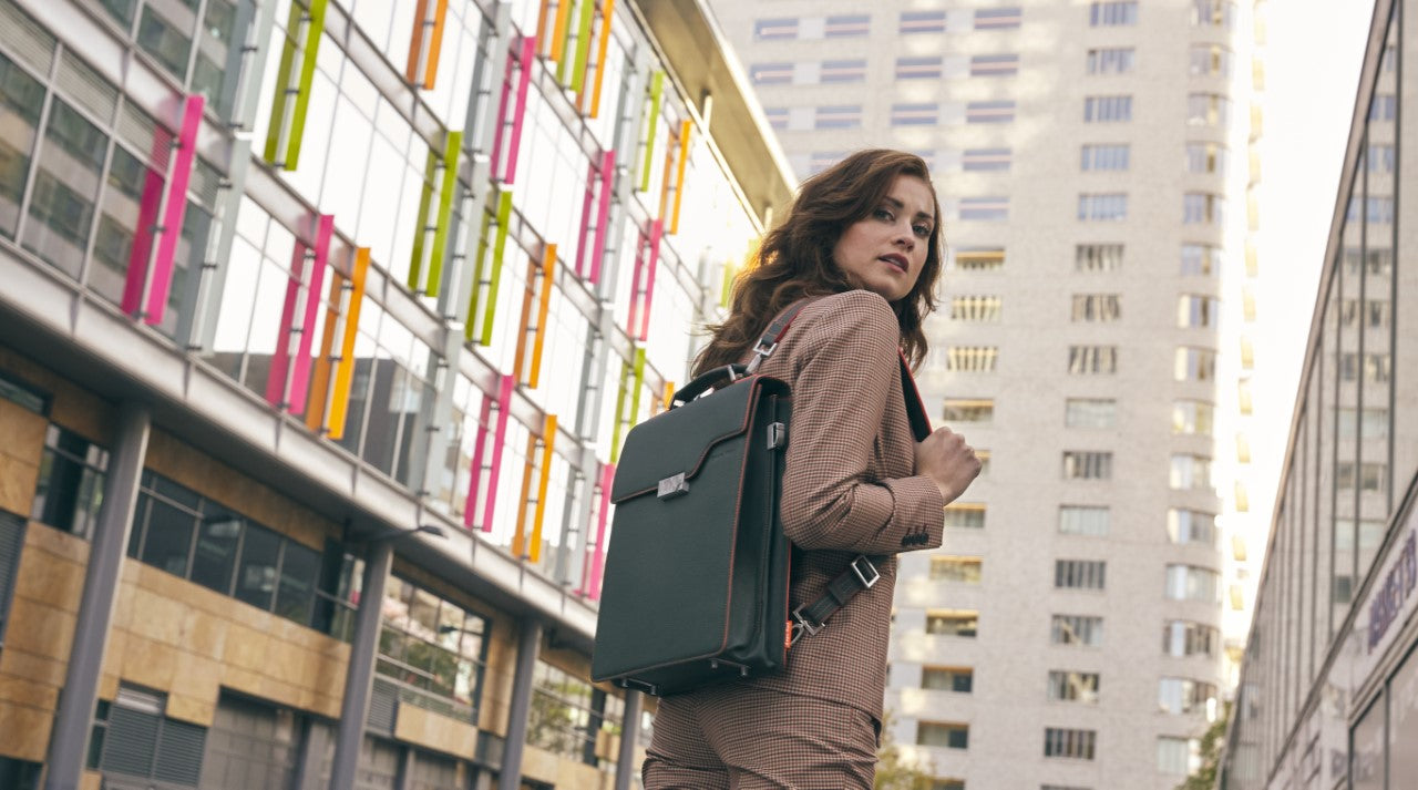 Natural leather bag woman with backpack