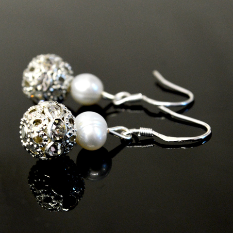 Image of Judy Pearl Earrings - Lucas Gadgets