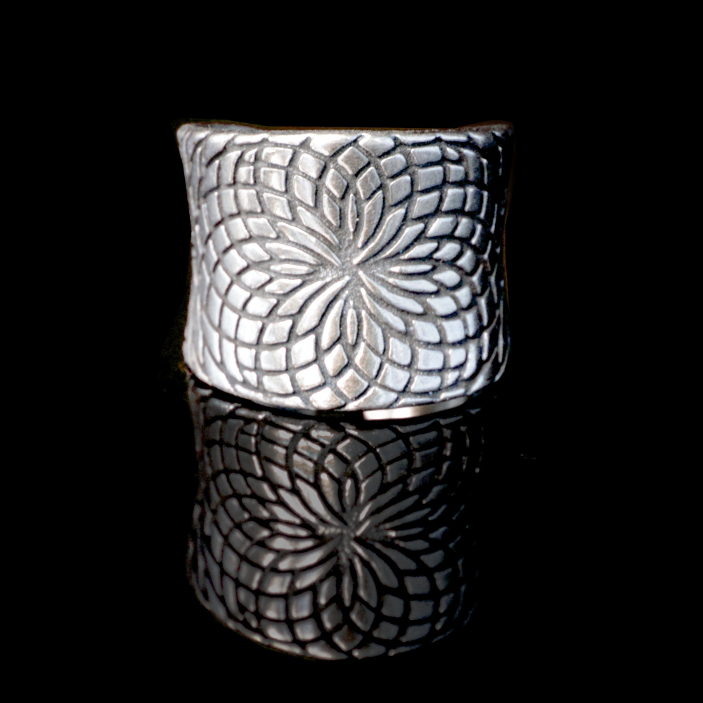 Lotus Sterling Silver Ring - Lucas Gadgets
