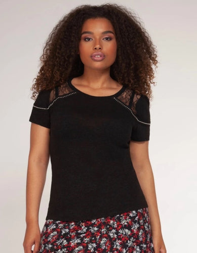 Short sleeve top with lace and stone detail - CURVY