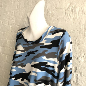 Blue camo tunic wit pockets!
