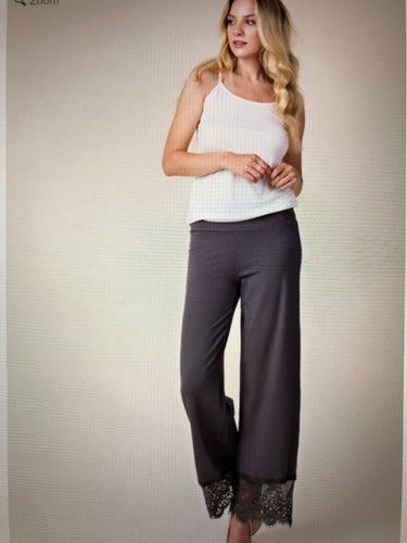 Straight grey pant with lace trim