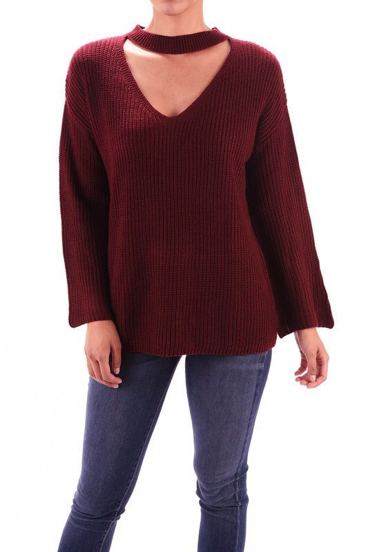 V-neck cut out pullover sweater with zipper detail