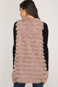 Fabulous faux fur vest with pockets