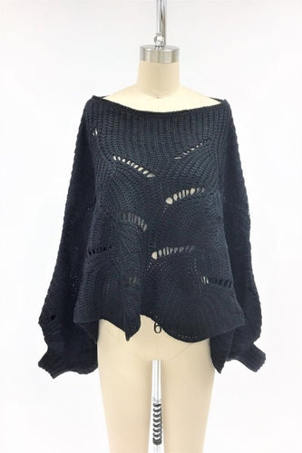 Cropped poncho/sweat3er with sleeve cuffs
