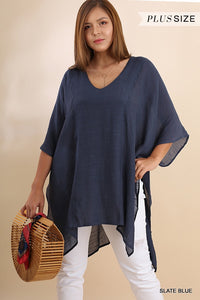 Relaxed v-neck pullover top - CURVY