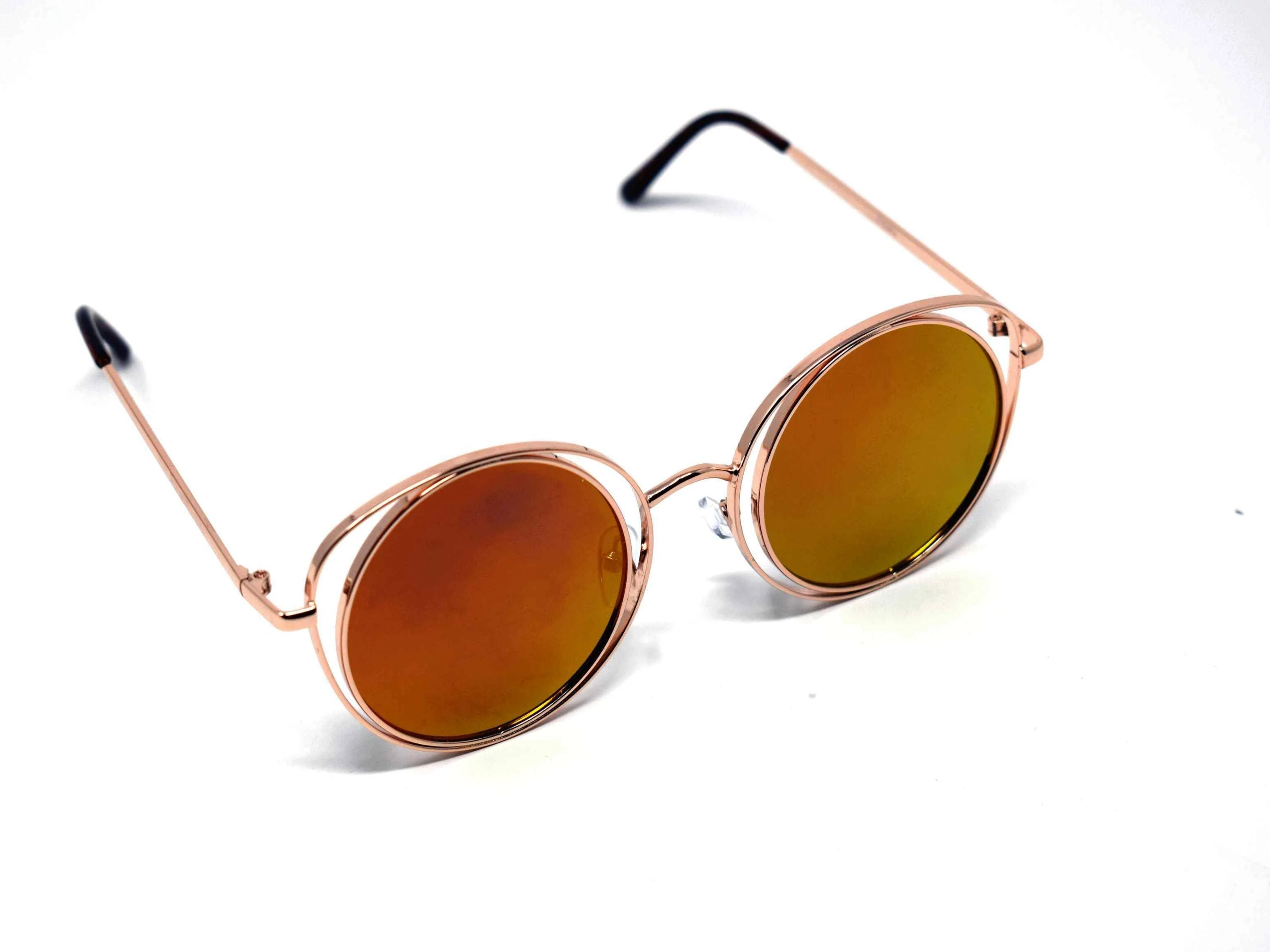 Get ready to have all the attention centered on you with our round shaped Aster Gold framed two toned orange mirrored lens sunglasses.