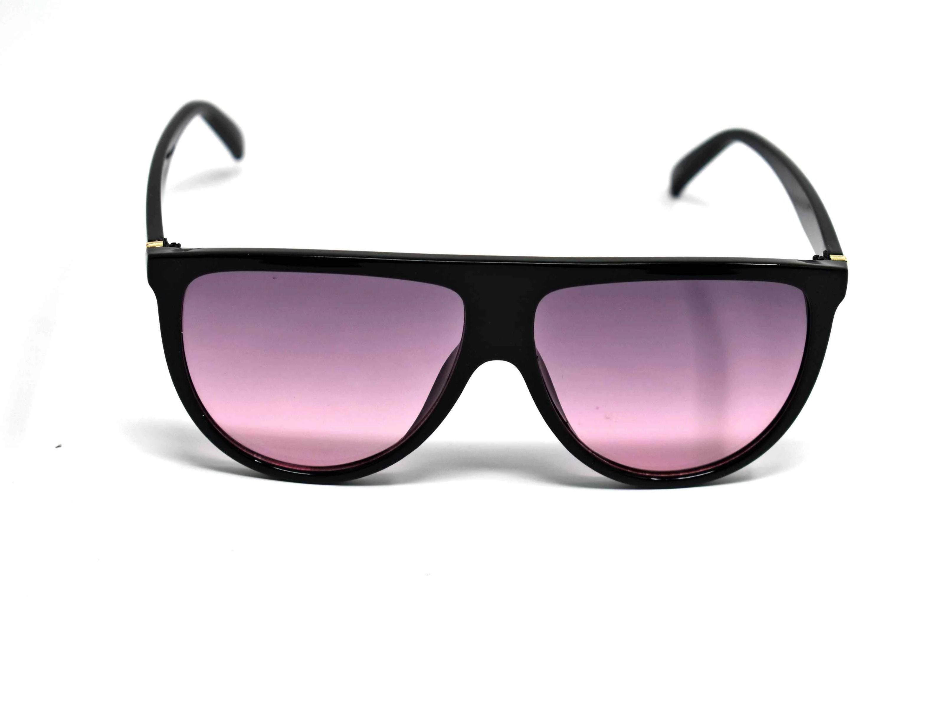 Include our sleek Begonia black wayfarer sunglasses with purple lens into your daily wardrobe.