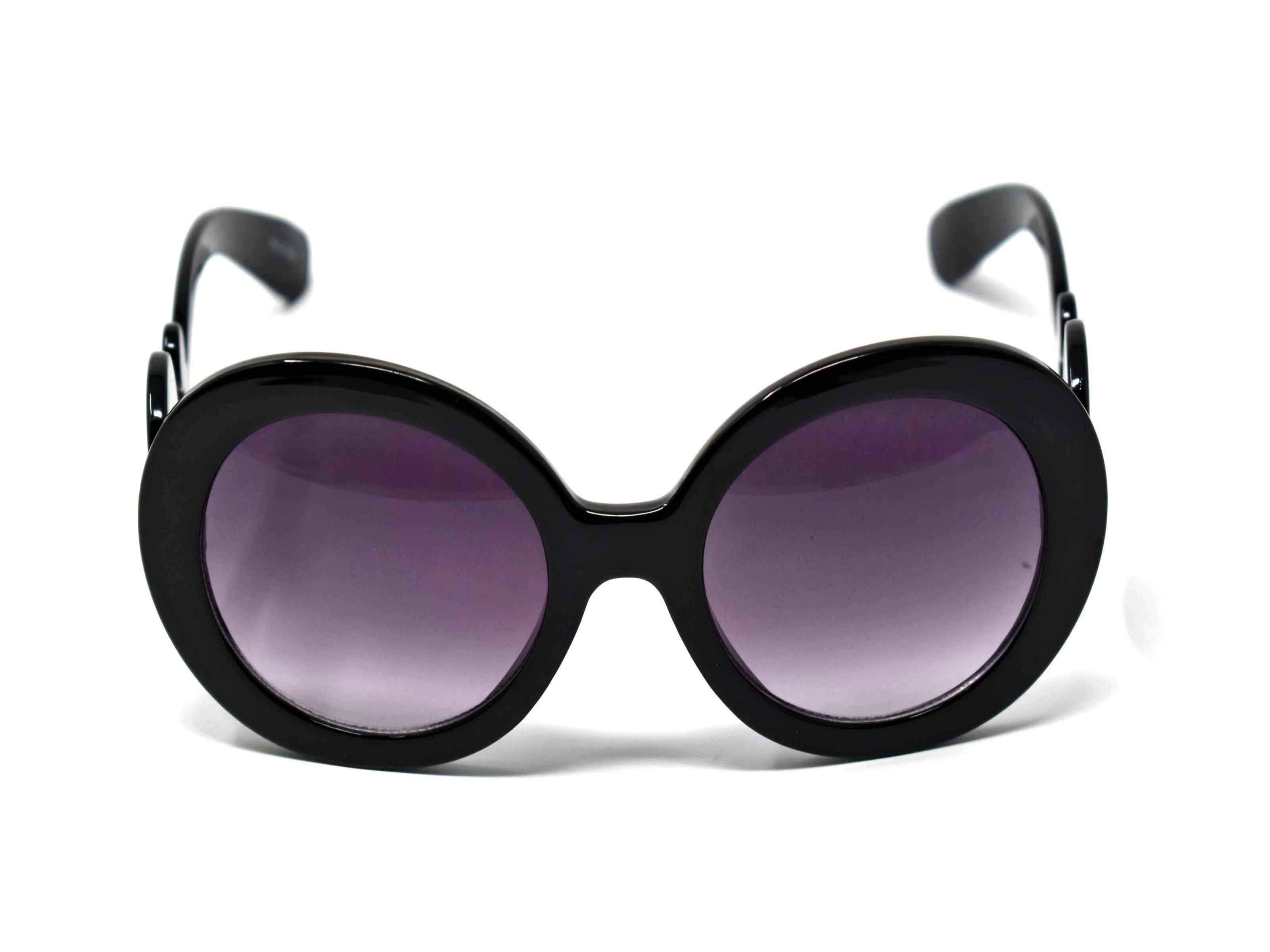 Be prepared to add our Clover Black frame glasses with swirl handle and a black lens to your top 10 go too favs.