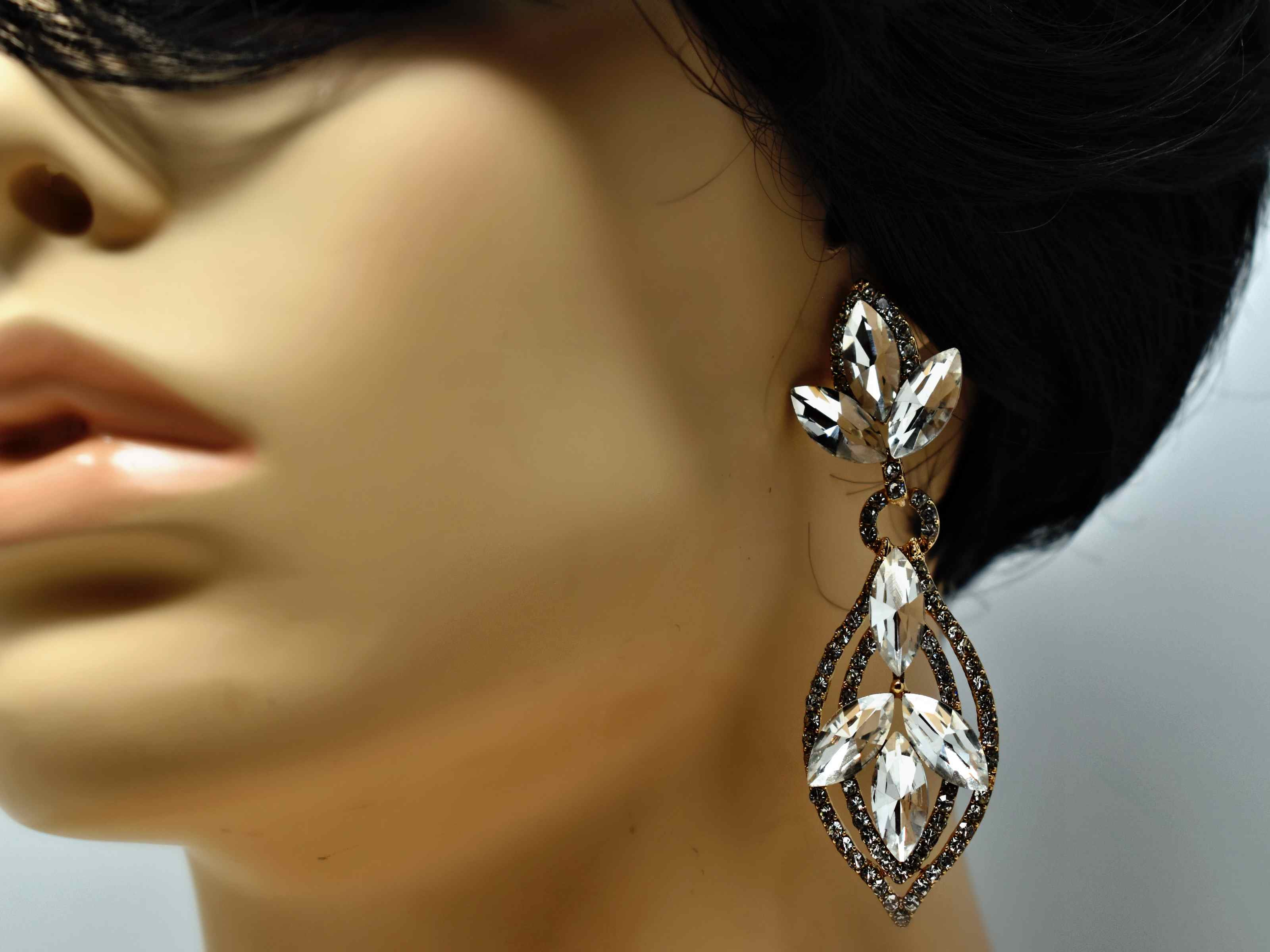 Jaborosa gold Dangle Earrings