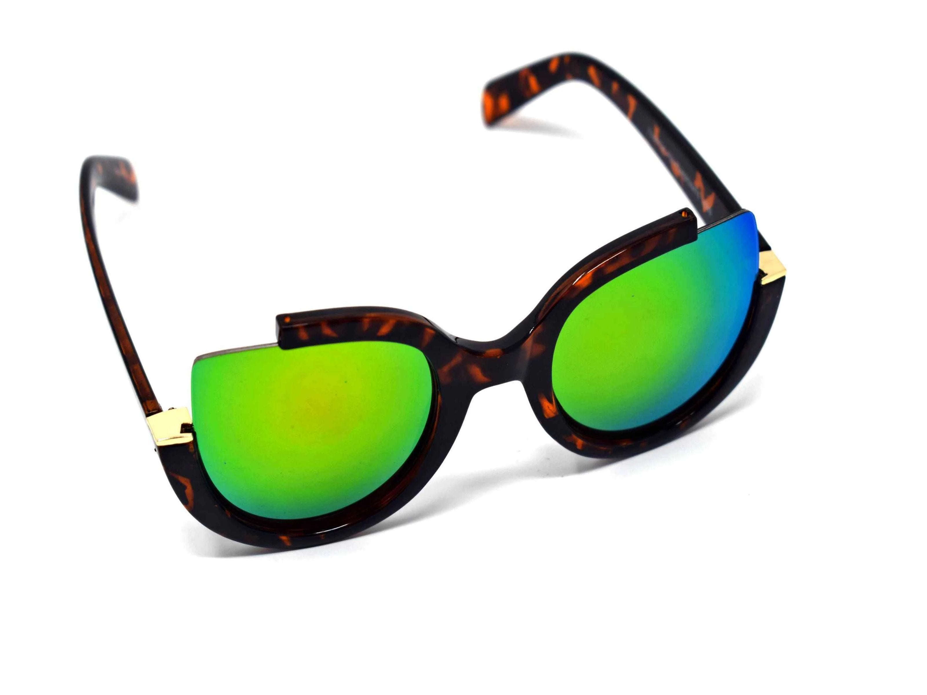 Stunning and stylish is the best way to describe our Larkspur Leopard print cut out frame two-toned green mirrored sunglasses.