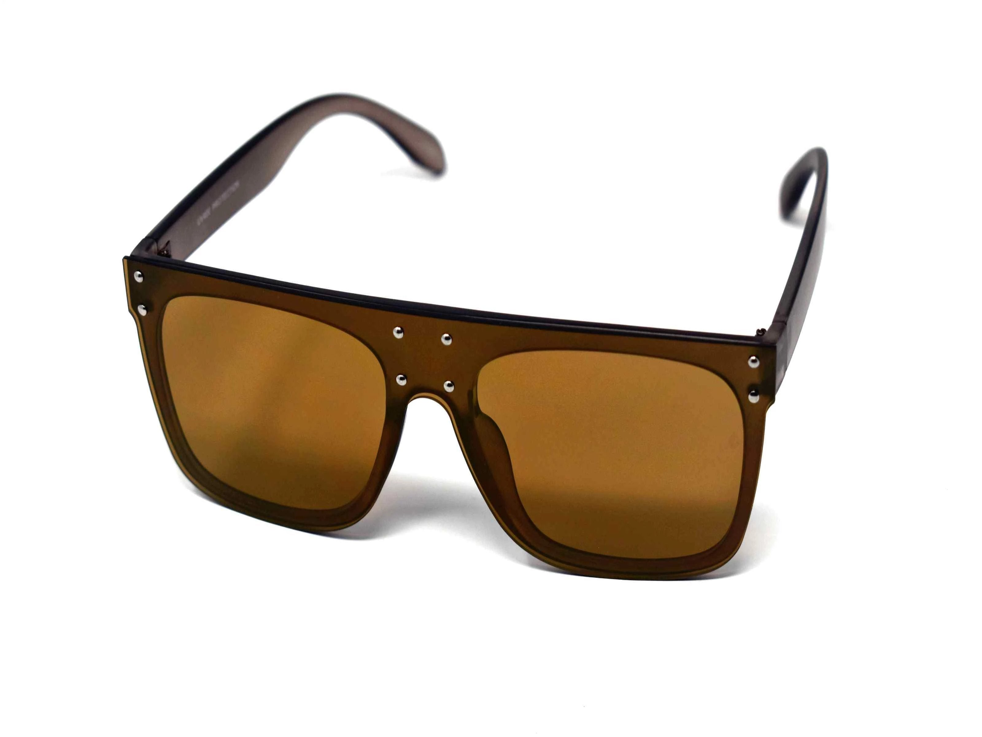 Fashion forward and edgy is what you call our shield shaped Rosa brown framed golden brown mirrored lens Sunglasses.