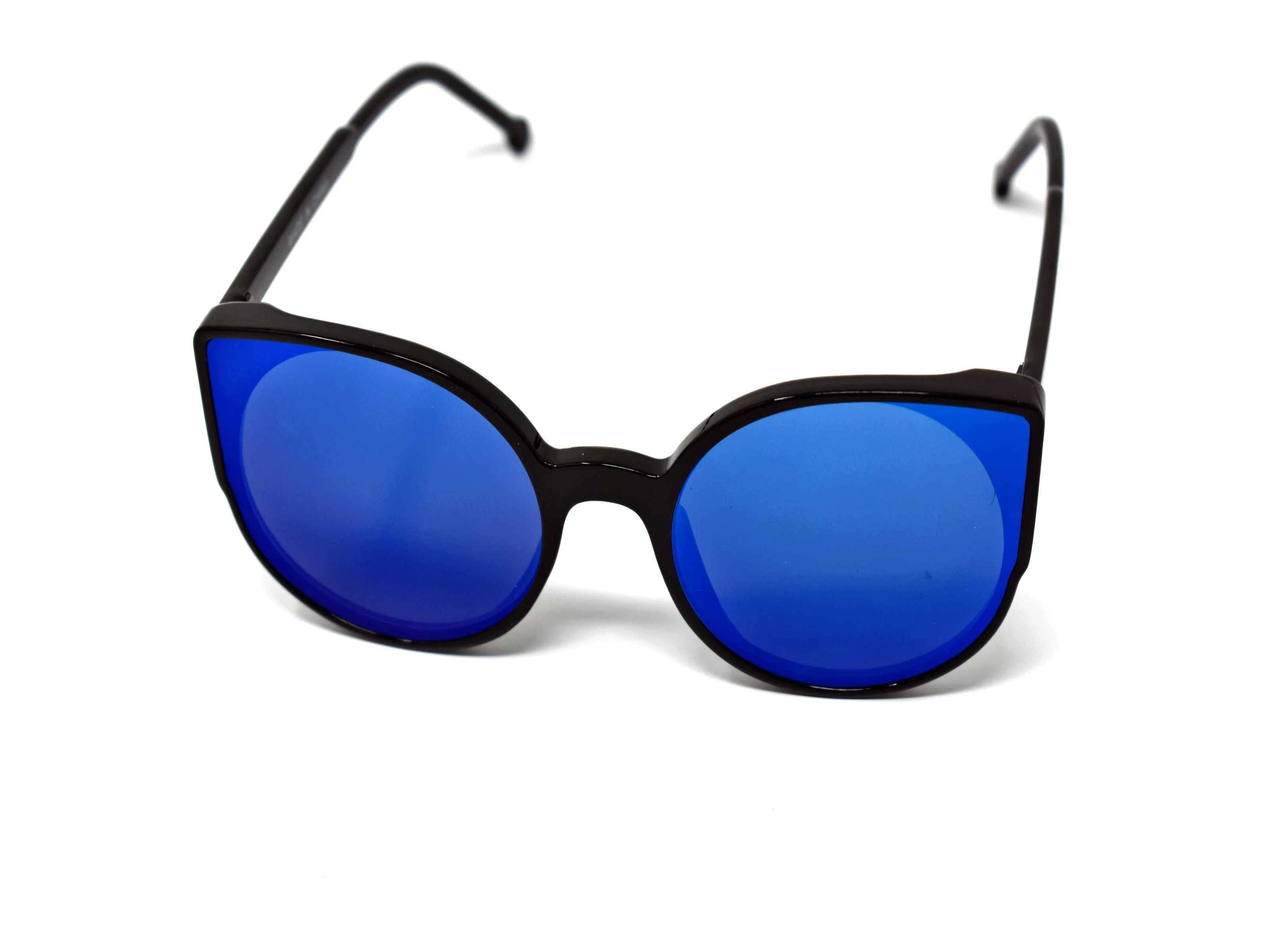 Say hello to our stylish Tansy black framed sunglasses with blue mirrored lens and a cat eye shape.