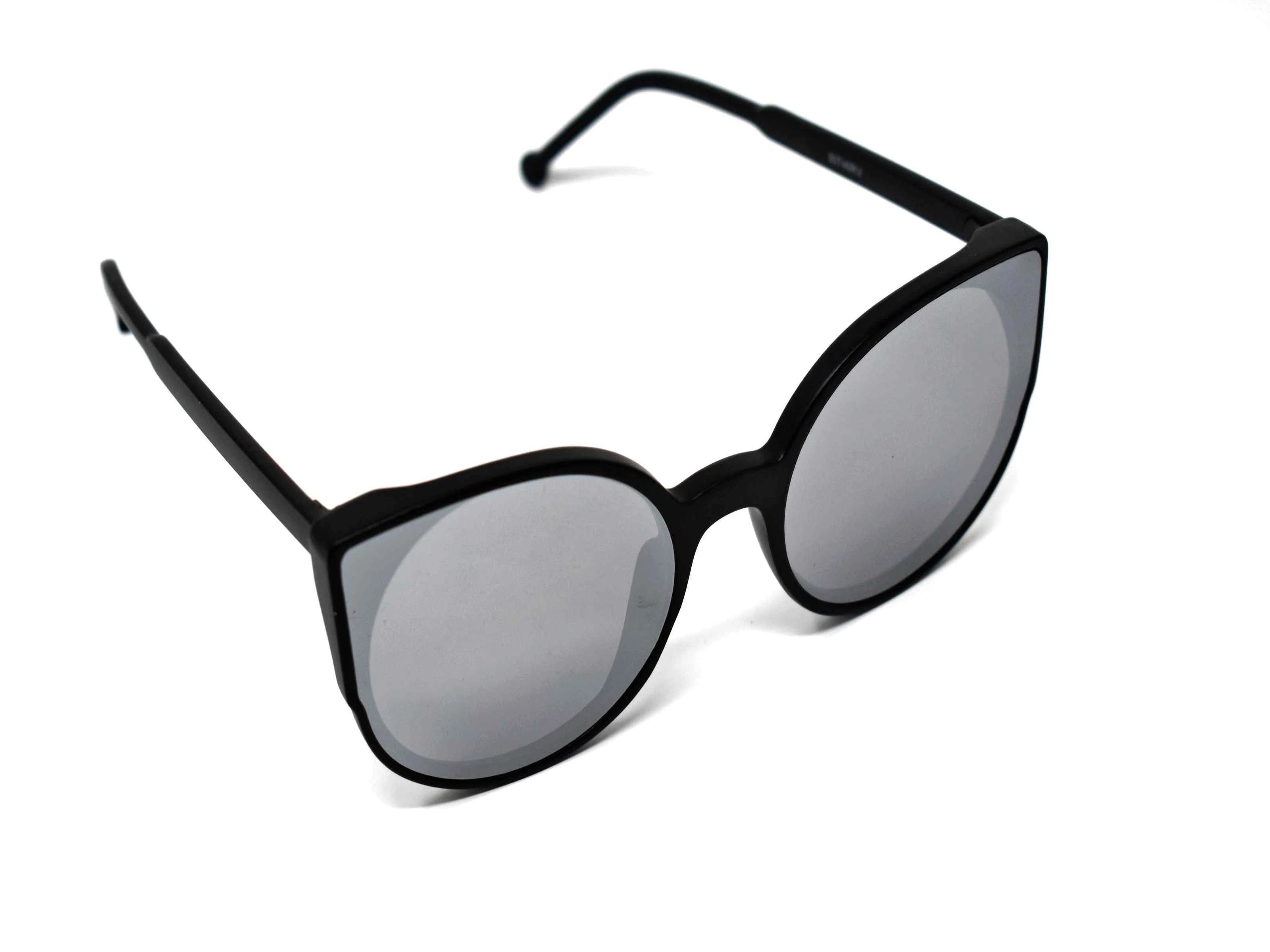 Say hello to our stylish Tansy black framed sunglasses with silver mirrored lens and a cat eye shape.