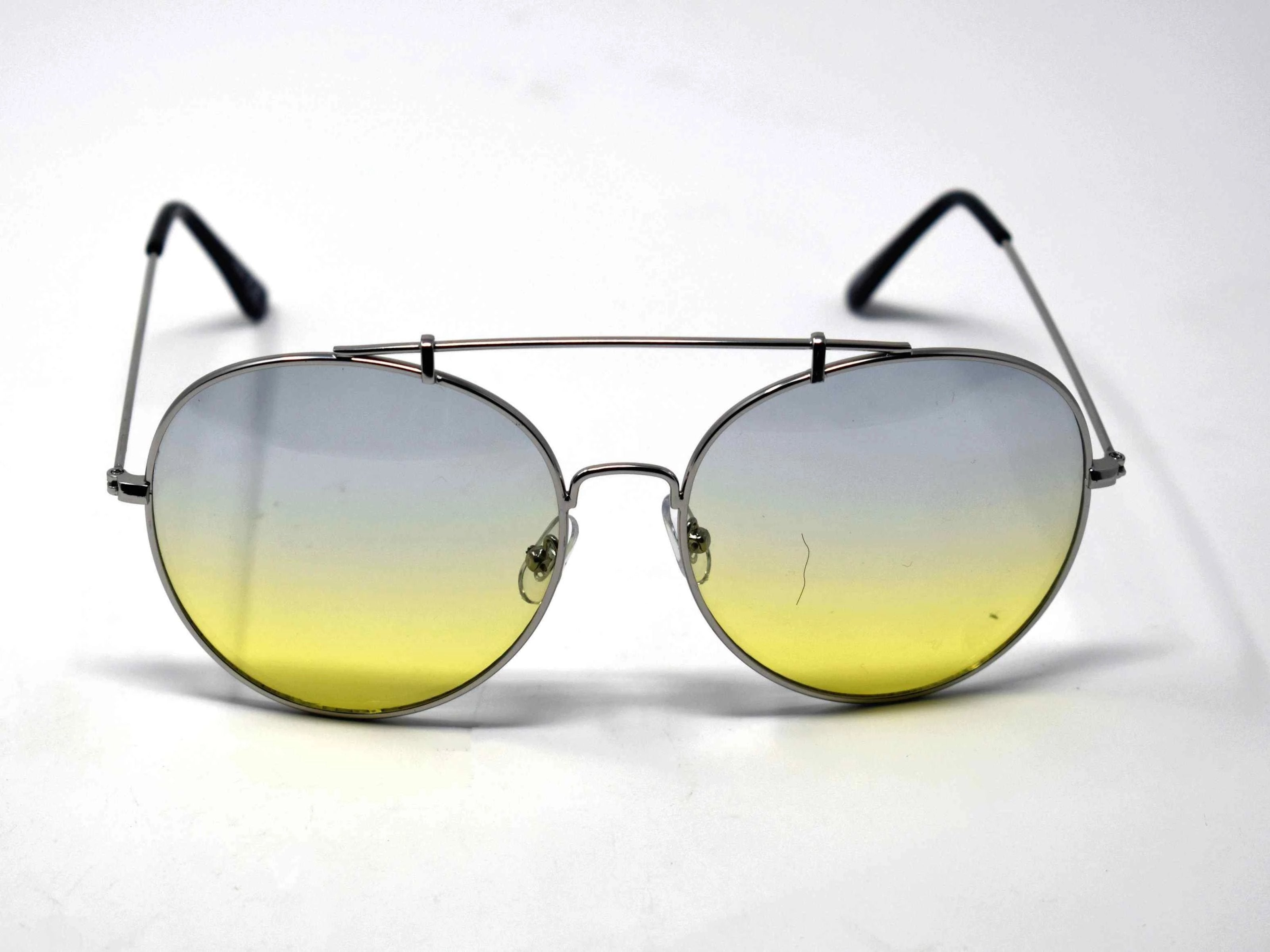Va Va Voom will be consistently heard in these Vervain silver frame aviator Gray and Green ombre lens sunglasses.