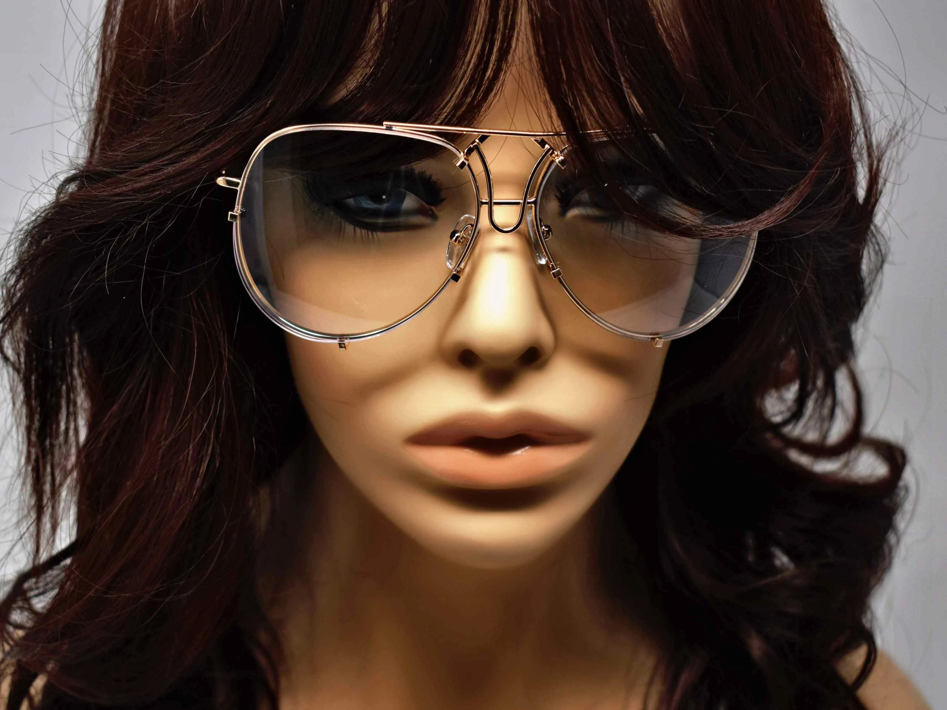 Make sure you indulge in our brilliant Viburnum gold aviator style glasses with a clear lens.