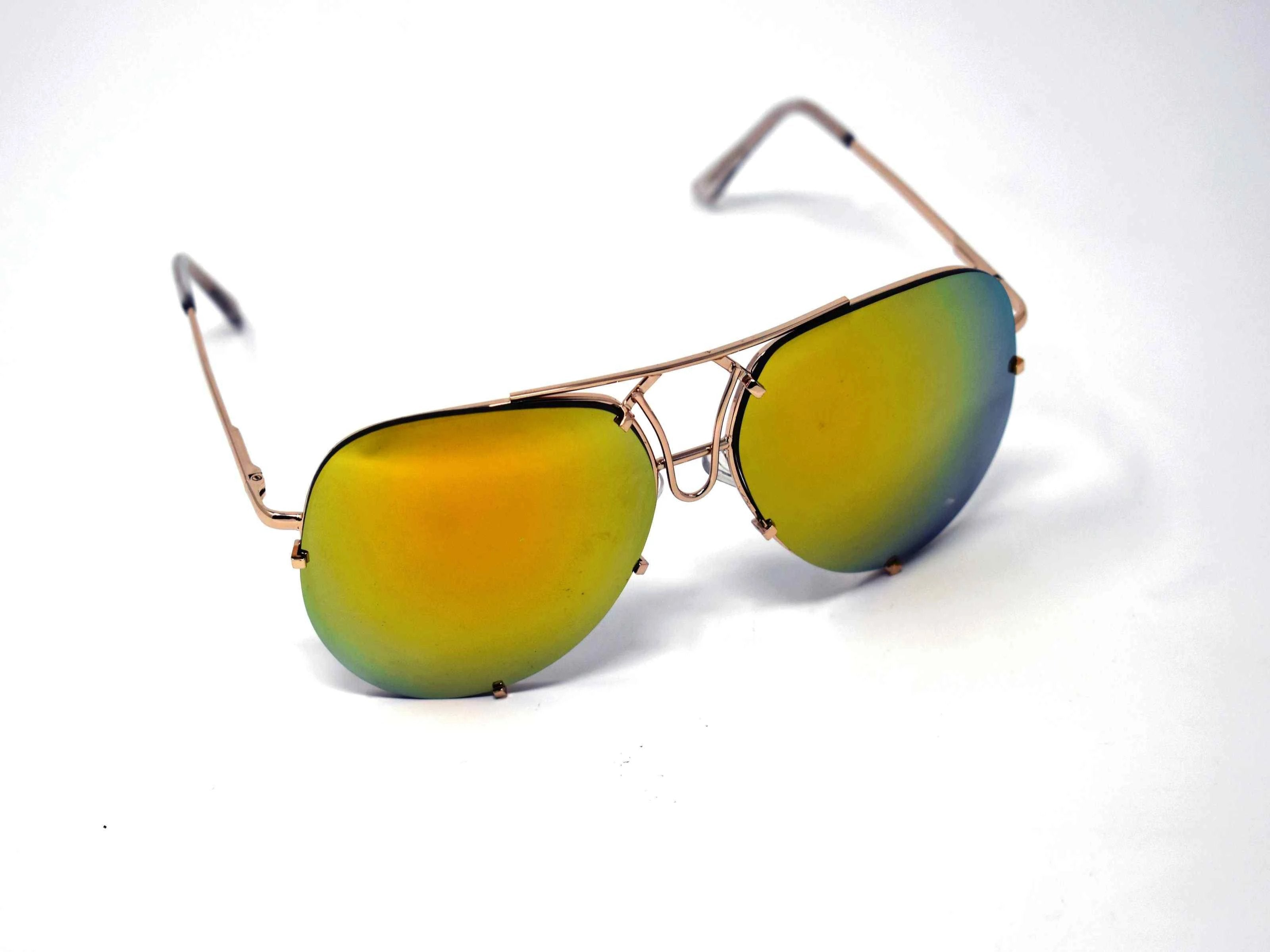 Don't get caught without these yarrow gold frame green mirrored lens aviator sunglasses.