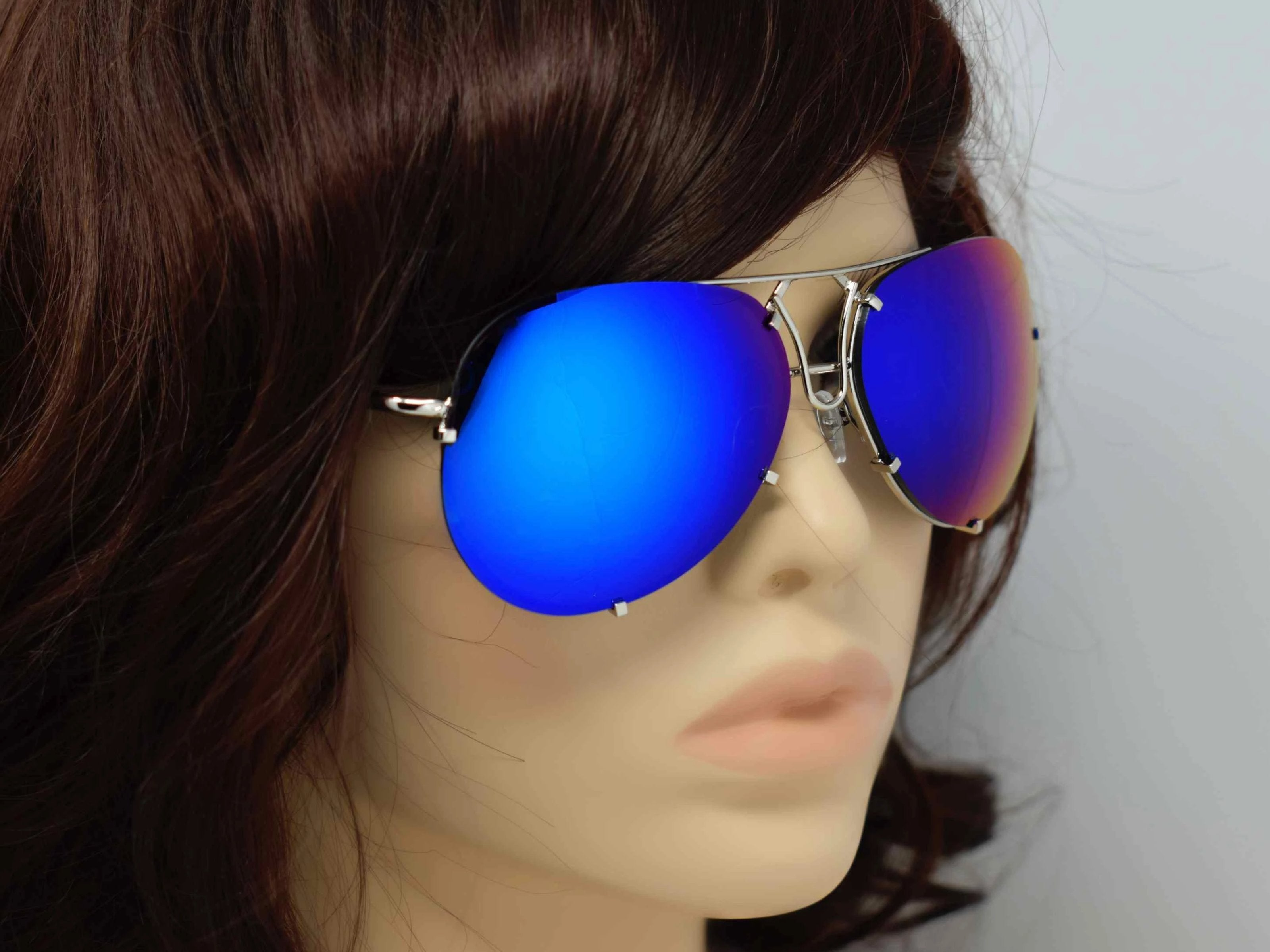 Don't get caught without these yarrow silver frame royal blue mirrored lens aviator sunglasses.