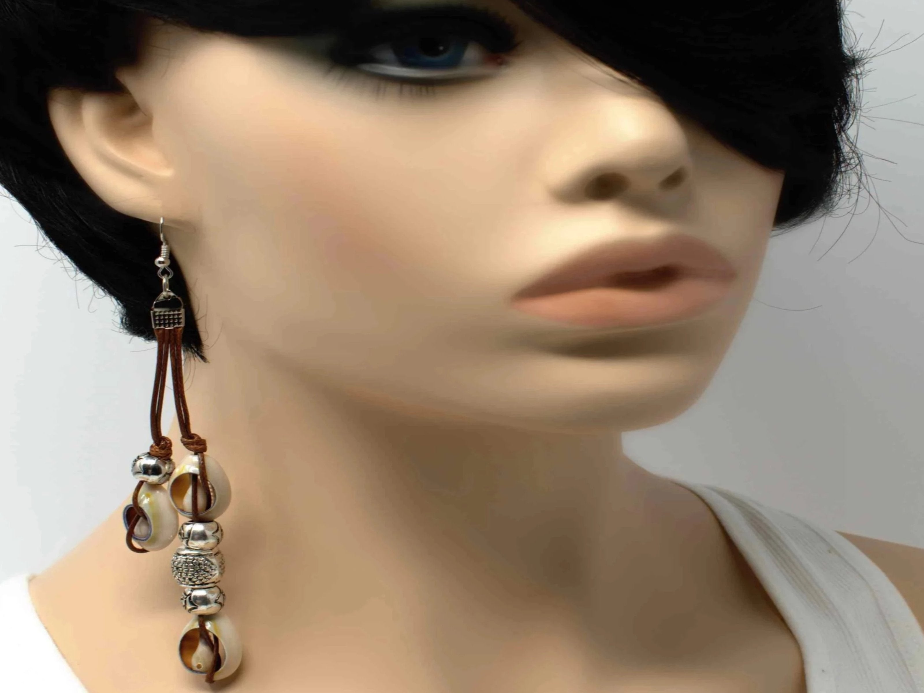 Zana Brown Shells Earrings