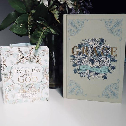 One Minute Day by Day with God Devotional w/ Grace Journal