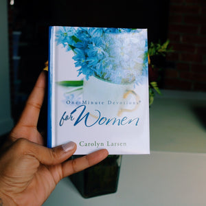 ONE-MINUTE DEVOTIONS FOR WOMEN BY CAROLYN LARSEN