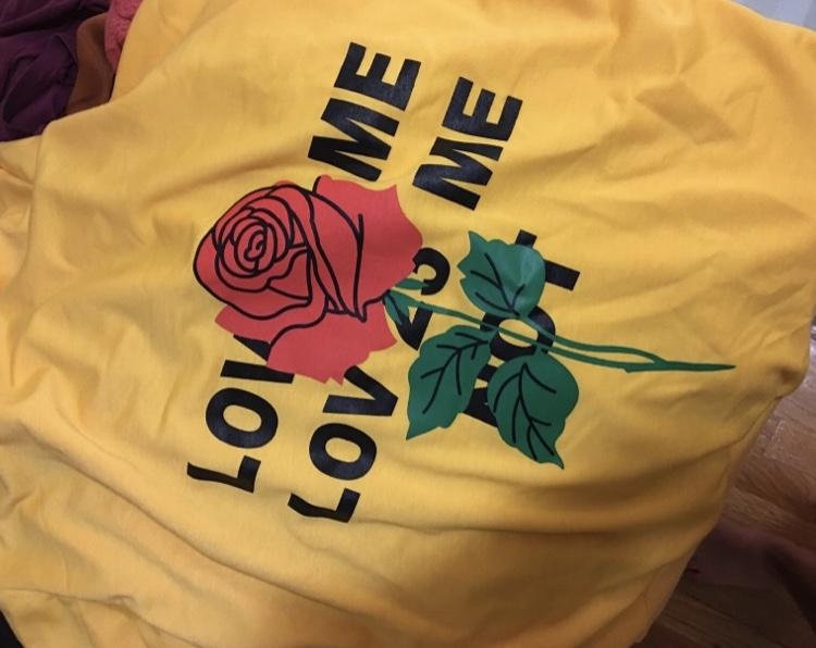 LOVE ME | ROSE SWEATSHIRT