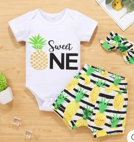 Sweet One Pineapple 3pxs Outfit