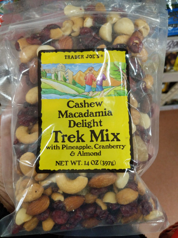 Trader Joe's Cashew Macademia Delight Trek Mix
