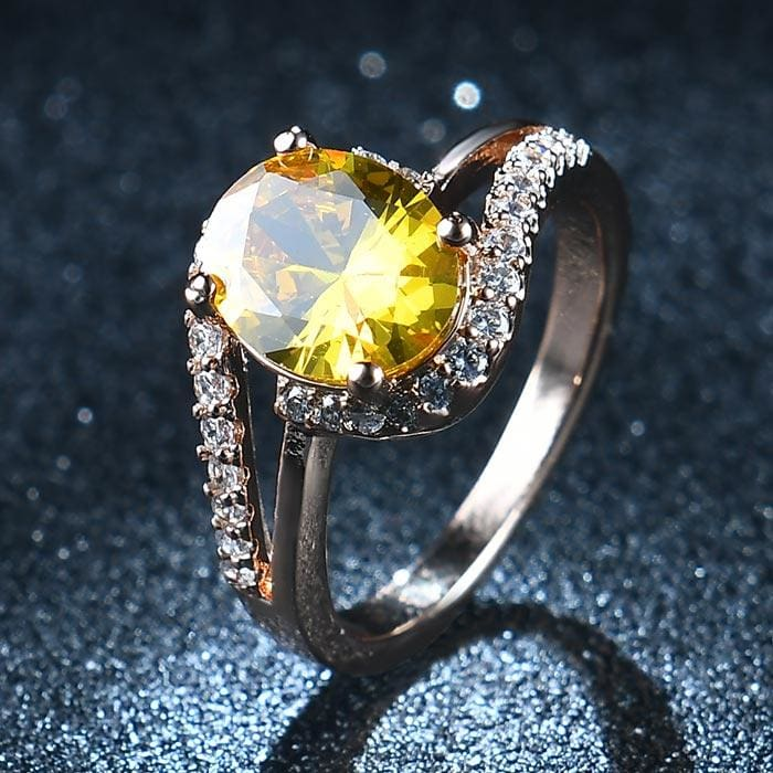 Oval Shaped Quartz Gem Ring - 6 / Yellow
