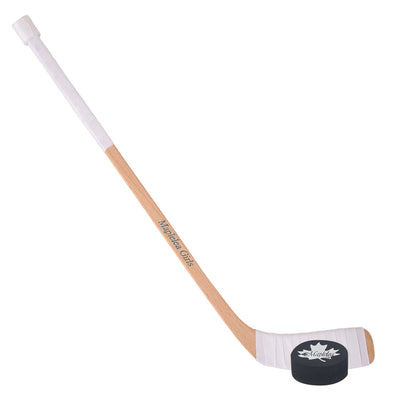 Hockey stick, puck Fits all 18 inch dolls.