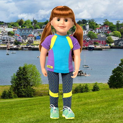 leggins, t-shirt and sneakers on 18 inch doll
