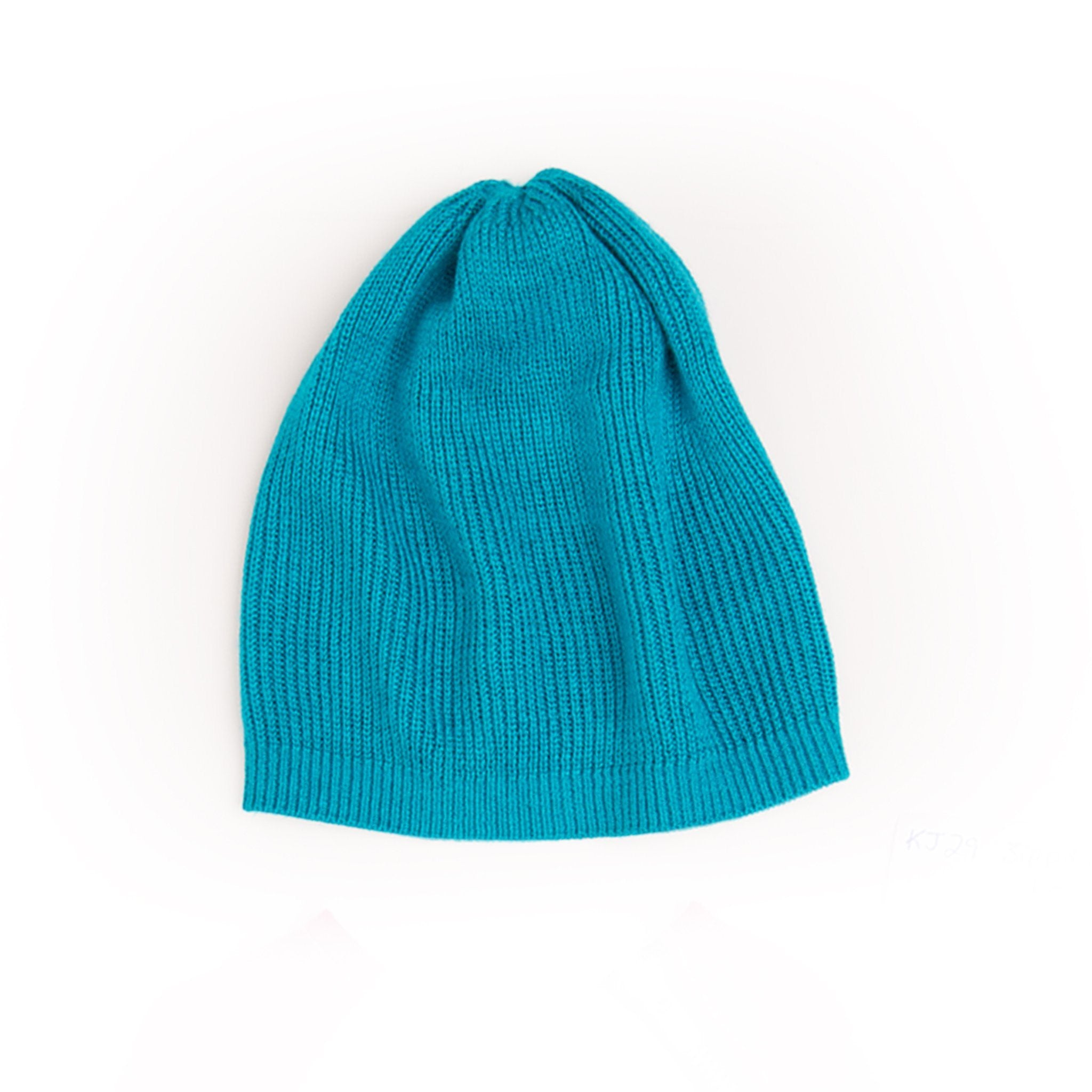 Zippity Do teal slouchy hat fits all 18 inch dolls.