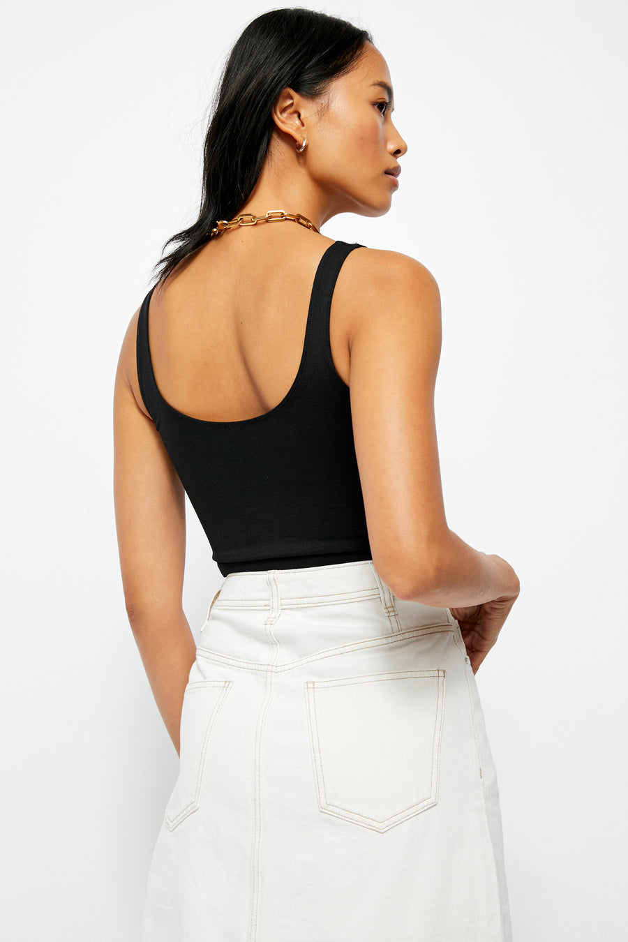Scoop Neck Crop