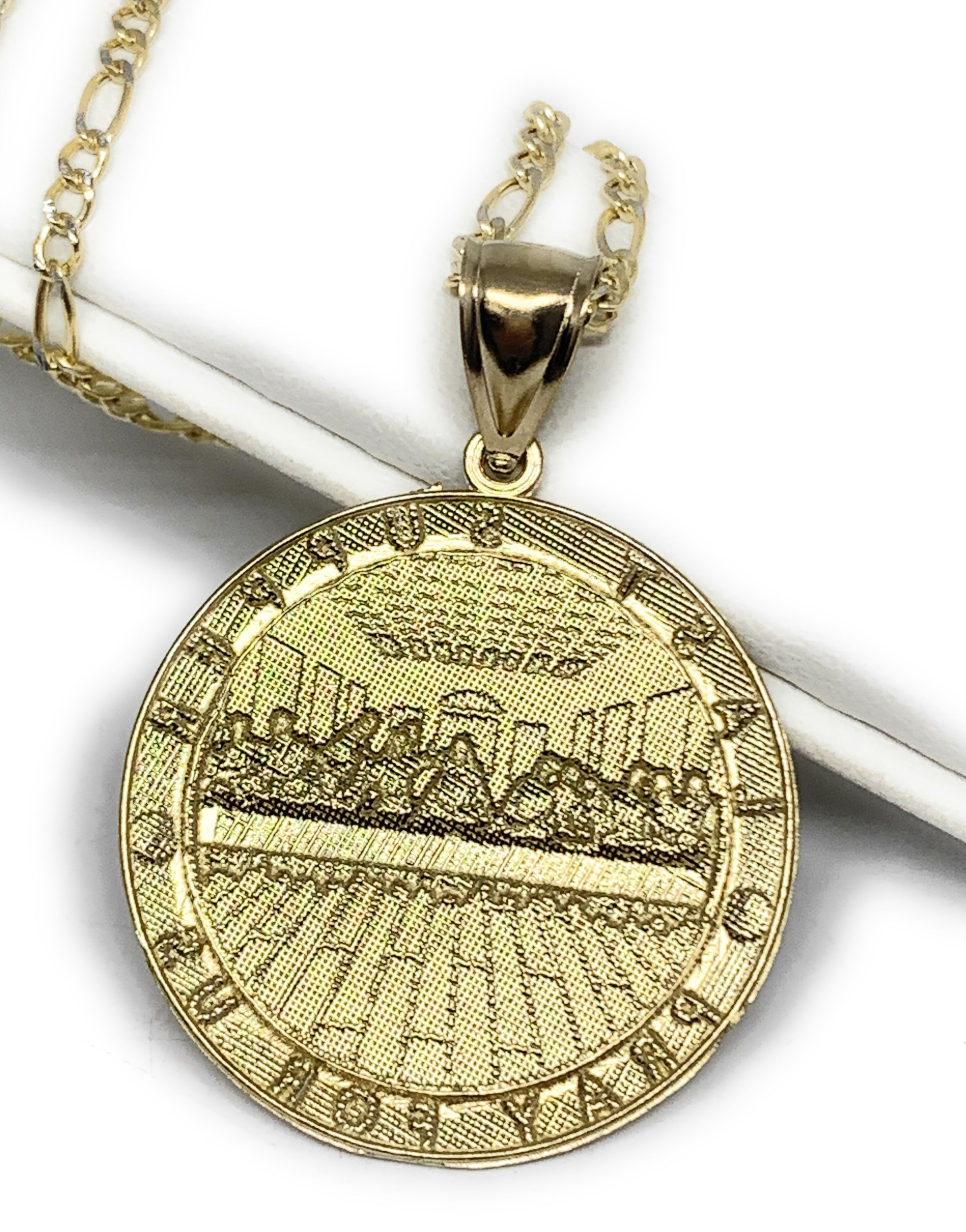 10k Solid Gold Yellow 2-Tone Jesus Last Supper Round Pendant Necklace