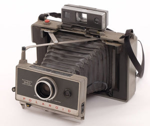 Polaroid Automatic 340 Land Camera