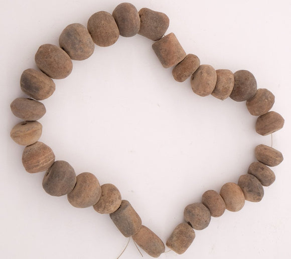 Earthenware beads, Pre-colonial
