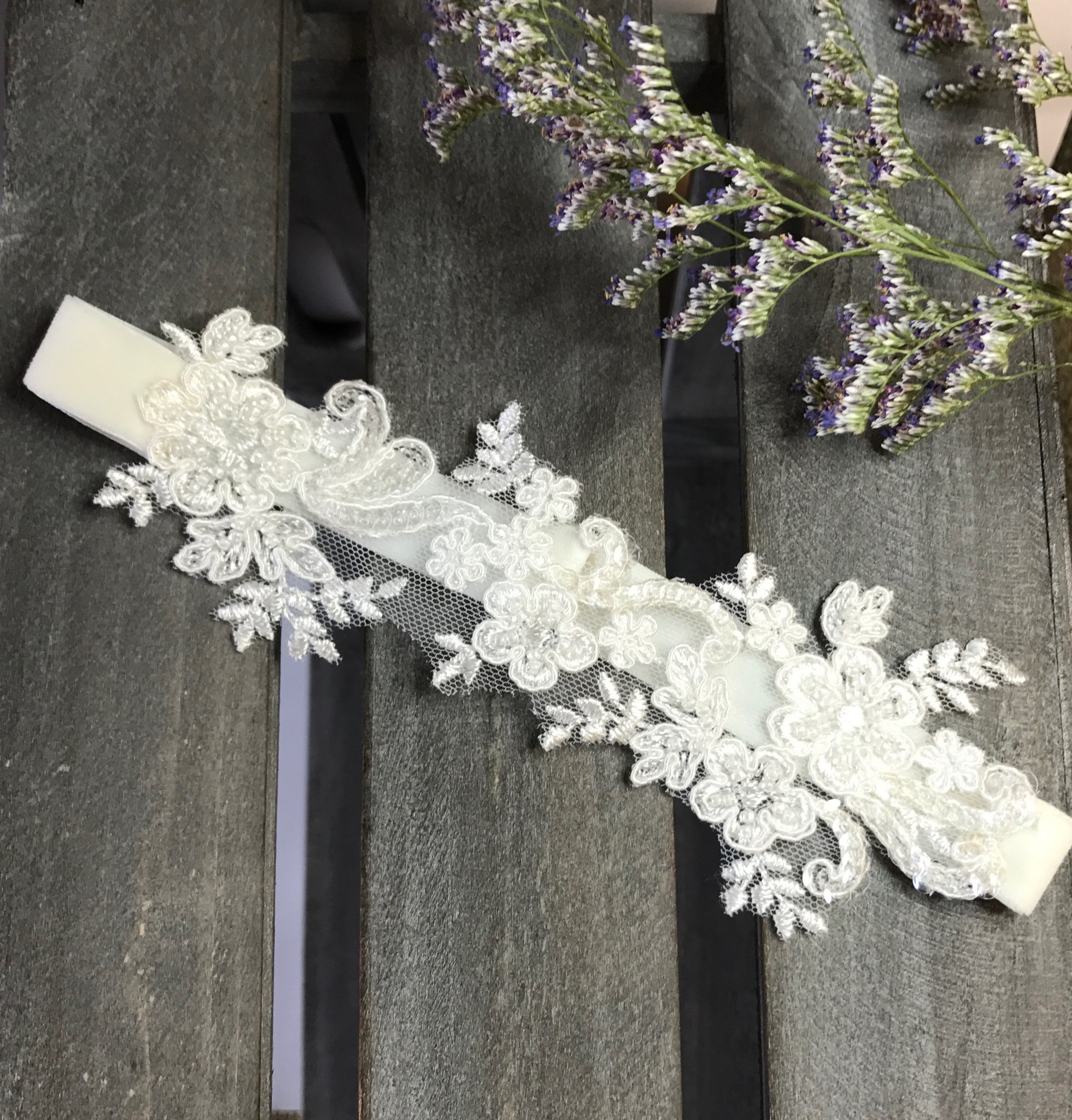 ... {LUXE} Ivory Beaded Alencon Lace Wedding Garter Set ...