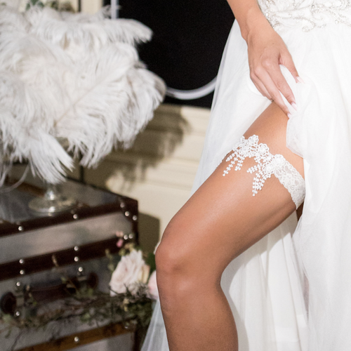 {MARGUERITE} Ivory Daisy Lace Wedding Garter Set