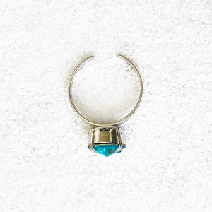 rhodium plated and turquoise elegant adjustable ring