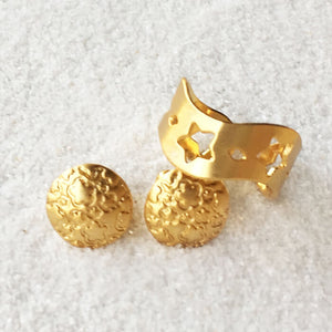 unique patterned stud earrings in gold and adjustable ring in gold
