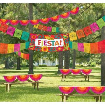 Fiesta Giant Indoor/Outdoor Decorating Kit - Amscan