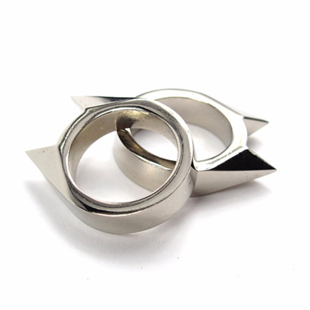 Self defense claw ring