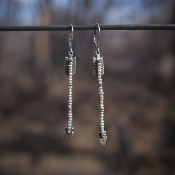 Twin Arrows Earrings in Pearl