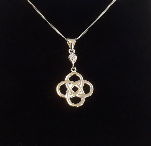 9Ct Gold Celtic Knot Pendant Plain Box Jewellery