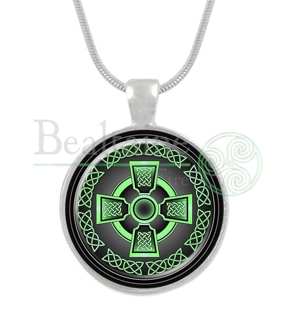 Celtic Cross Green / 16In Pendant