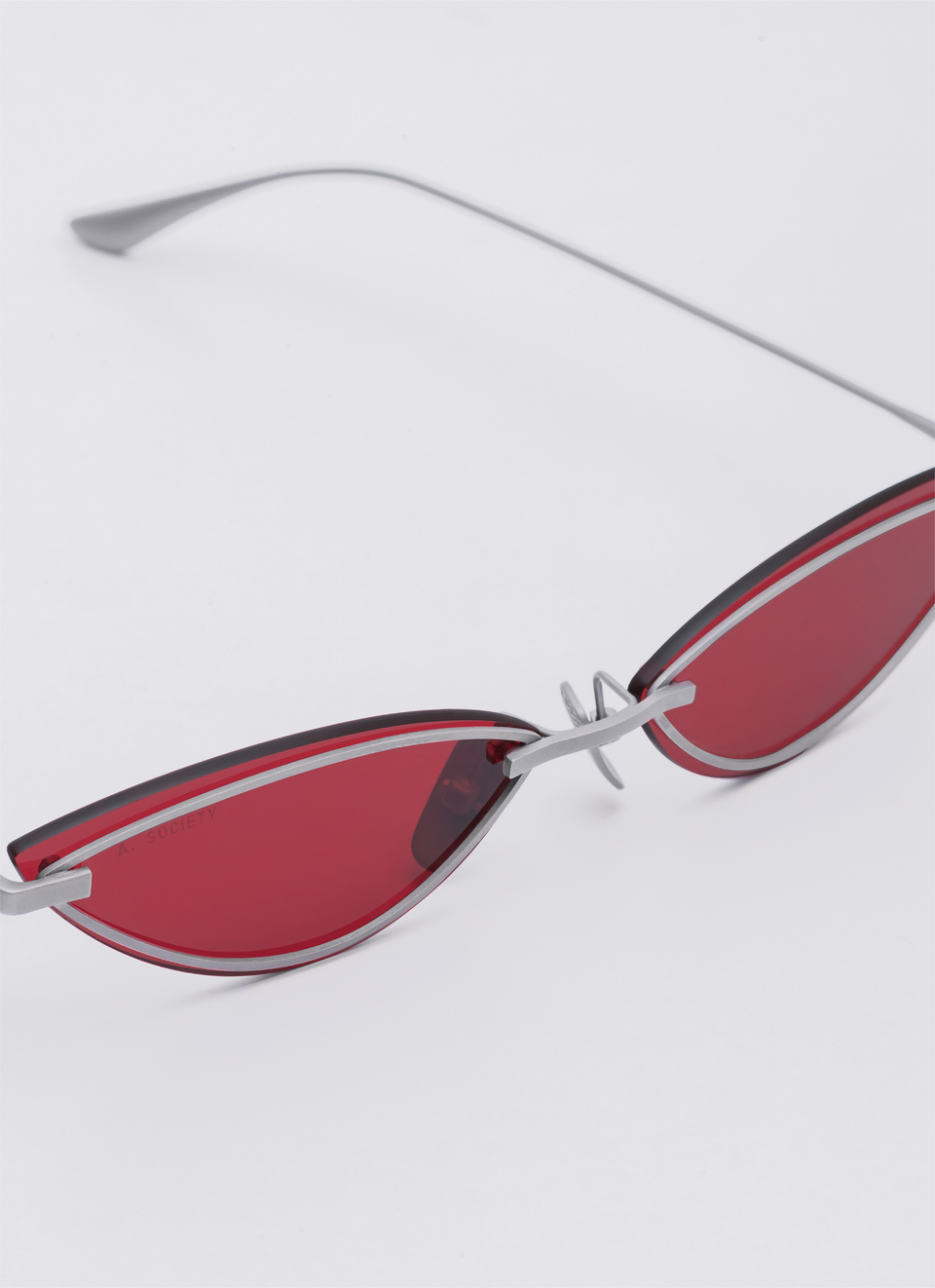 A SOCIETY LOLA - Red Titanium Cat-Eye Sunglasses Detail
