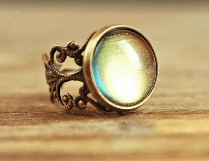 Color-changing Moonglow Ring